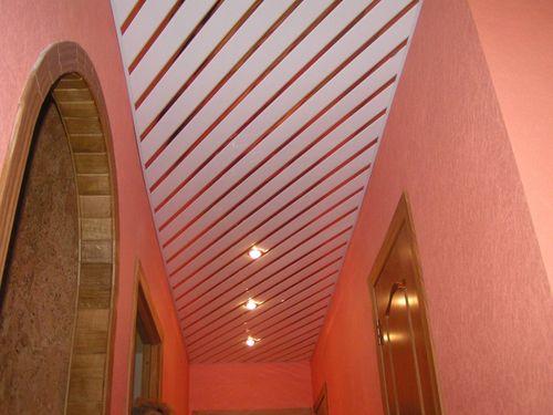 Как правильно выбрать панелина потолок в коридор
